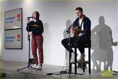 noah cyrus and max team lyrics noah cyrus performs at to the rescue gala honoring the
