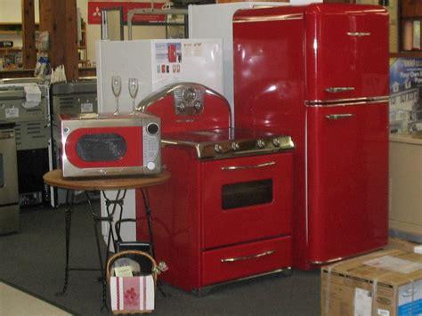 retro  styled kitchen appliances    modern