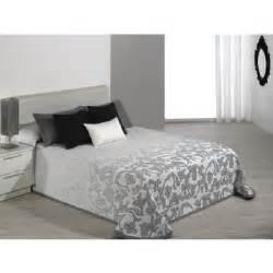 couvre lit 280x270 cm tiss 233 jacquard cambera gris pour lit