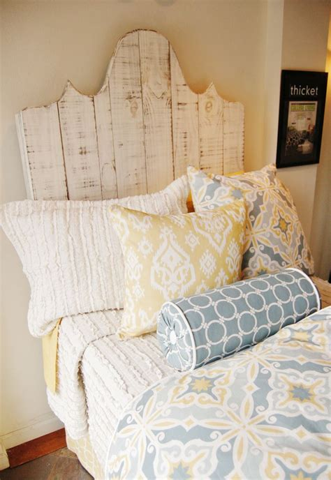 dorm headboards 17 best ideas about dorm room headboards on pinterest