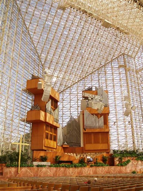 crystal cathedral los angeles philip johnson building