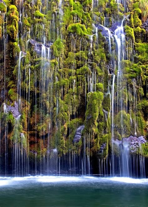 top   incredible waterfalls   world top inspired