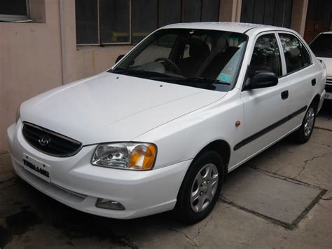 hyundai 2005 accent 2005 hyundai accent information and photos momentcar