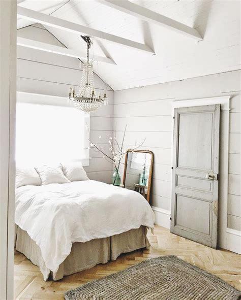 farmhouse bedrooms best 25 farmhouse bedrooms ideas on spare