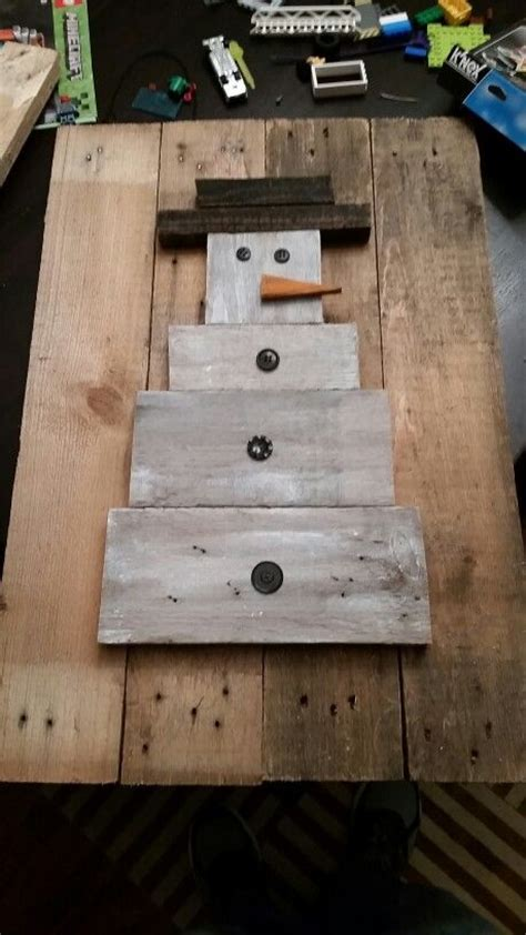 pallet crafts projects 1000 images about crafts on primitive snowmen