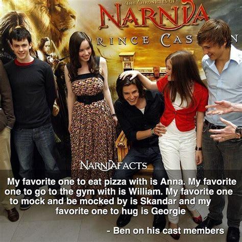 fakta film narnia my favorite one to hug awwww narnia pinterest