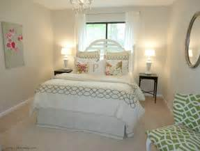 Bedroom office makeovers of 2011 curbly diy design guest bedroom ideas
