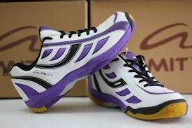 Jenis Dan Sepatu Badminton bulutangkis dan perlengkapannya badminton facility berbagaireviews