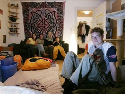 couch surfing la couchsurfing el airbnb de habitaciones con el que