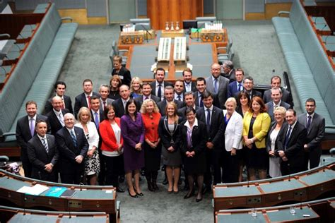 who elects house of representatives new mps pose for photo in federal parliament abc news australian broadcasting corporation