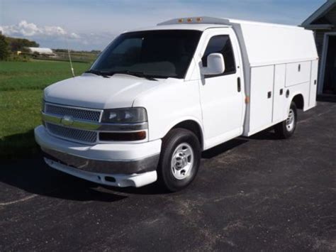how to work on cars 2003 chevrolet express 2500 on board diagnostic system purchase used 2003 chevrolet express 3500 van 6 0 vortec with 10 knapheide box in beecher