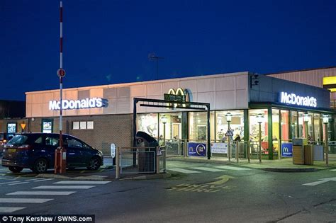 Closets Mcdonalds by Mcdonald S Staff Shamed Shoreham For Ordering Six Burgers Daily Mail