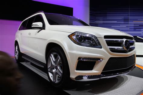 mercedes to bring next gl class to new york