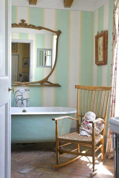 smalto per vasca da bagno 8 idee per personalizzare il bagno in stile shabby chic