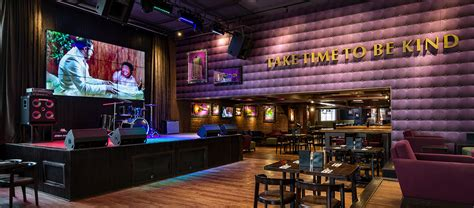 coffee shop stage design hard rock cafe mumbai andheri live music and dining in
