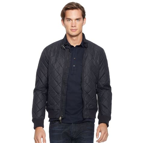 how would a wear the right way to wear a bomber jacket