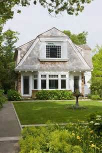 shingle style cottage shingled cottage dream homes pinterest cottages gambrel and dutch colonial