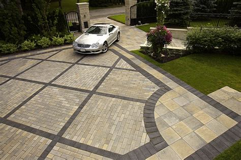 Patio Pavers Designs Paver Driveways Just The Pattern Landscaping Paving Landscaping Pinterest