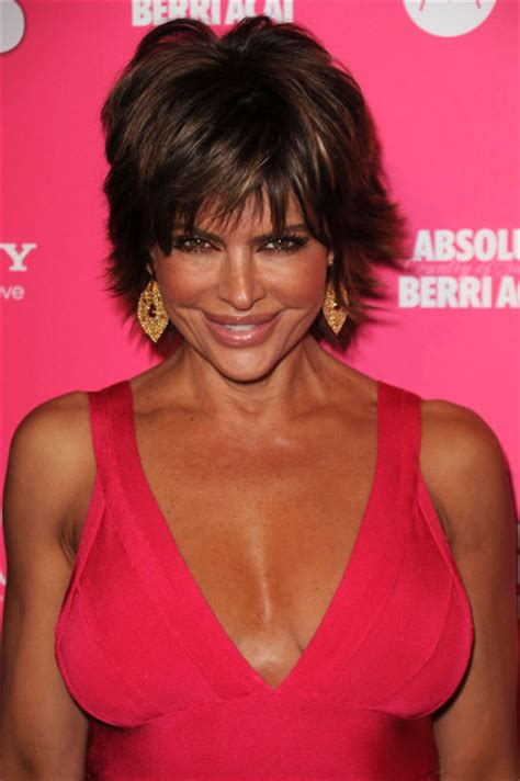 how to style with hot iron like lisa rinni lisa rinna photos photos us weekly hot hollywood style
