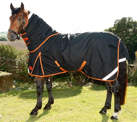 Turn Out Rugs heavyweight turnout rug hoss uk
