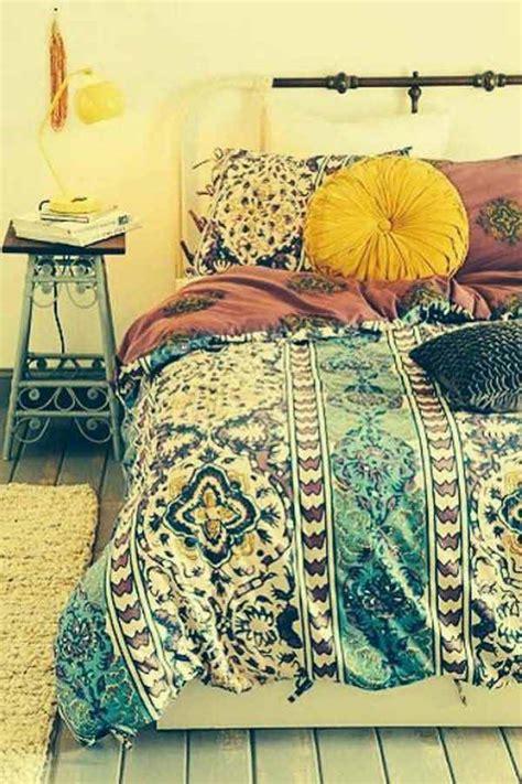boho chic bedroom decor 35 charming boho chic bedroom decorating ideas decor advisor