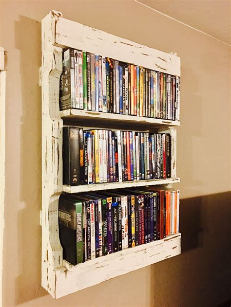 Shelf Made From Pallet by Best 25 Pallet Shelves Ideas On Pallet