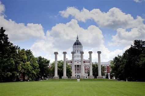 Mo Digital Records The Francis Quadrangle Columns And Building Of Missouri Columbia