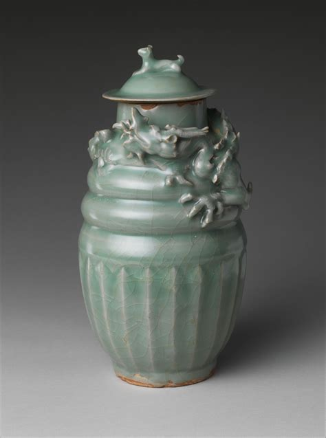funerary jar  dragon china southern song dynasty