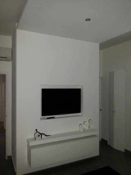 camini incassati foto struttura in cartongesso con tv e mobile incassati