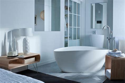 baignoire dans chambre int 233 rieurs lumineux n 176 4 la baignoire dans la chambre