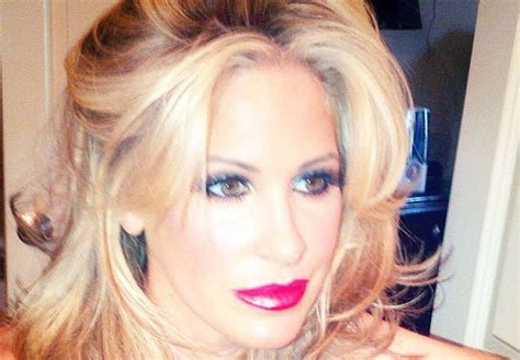weave hair shows 2015 and yet another hair extensions line kim zolciak shows