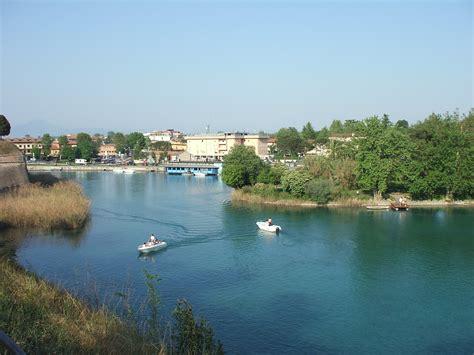 fiume bagna verona file mincio a peschiera jpg wikimedia commons
