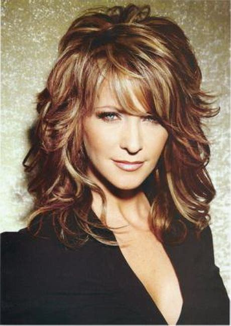lots of layers fo short hair hairstyles for women over 40 with fine hair
