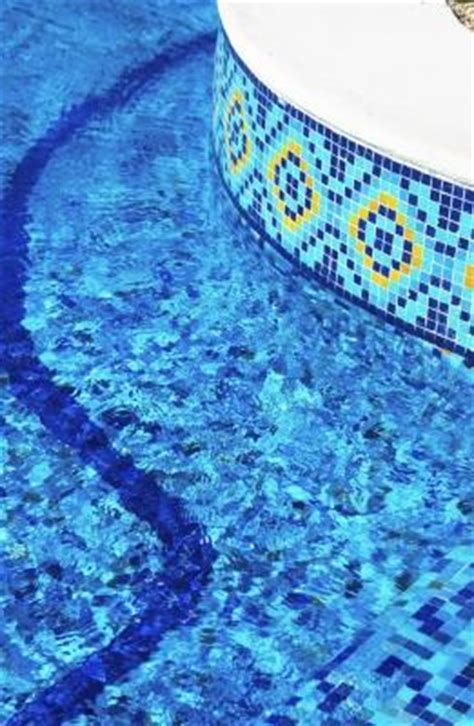 piastrelle piscina rivestimenti per piscine