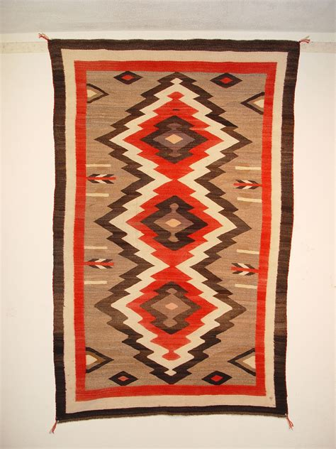navajo rug weaving history 1000 images about relics from the past on navajo auction and pottery
