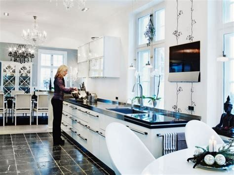 black and white kitchen decorating ideas 10 stylish black and white christmas d 233 cor ideas digsdigs