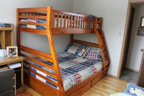 bunk bed queen over twin plans for twin over queen bunk bed quick woodworking