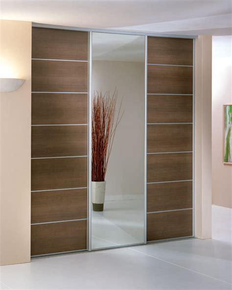 portes de coulissantes adapter une porte coulissante pour placard