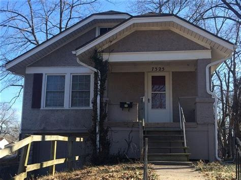 2 bedroom houses for rent in kansas city mo house for rent in 7325 walrond ave kansas city mo