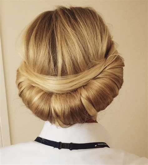 Hairstyle For Cabin Crew by 25 Best Ideas About Crew Hair On Pink
