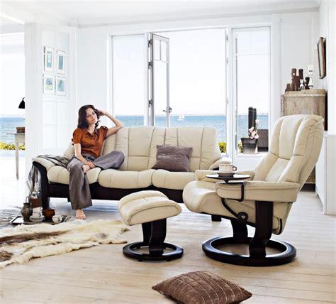 Home Decor Oklahoma City Buckingham Reclining Sofa Contemporary Family Room