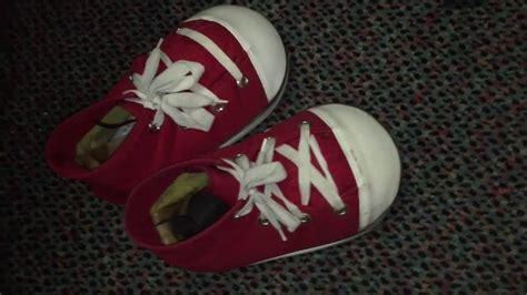 chuck e cheese shoes up with chuck e s shoes