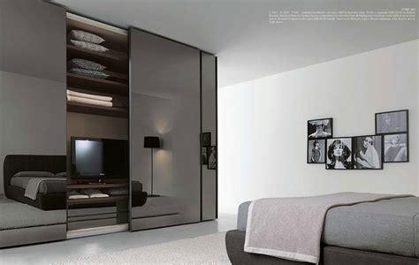 armadio con televisione 4 idee per la tv nella da letto raimondi idee casa