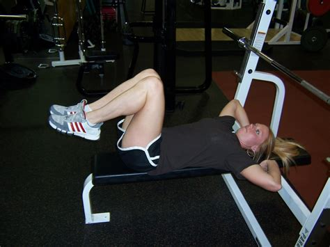 bench knee in bench knee ups dallas personal trainer dallas texas