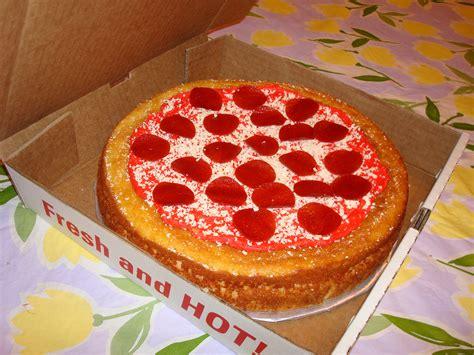 pizza cake images threadcakes pizza the edible pie chart threadless cake