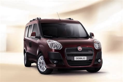 carscoop new fiat doblo 5 and 7 seater mpv and cargo