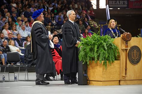 Umd Mba Commencement 2017 Speaker by Snap Commencement 2017 Uconn Today