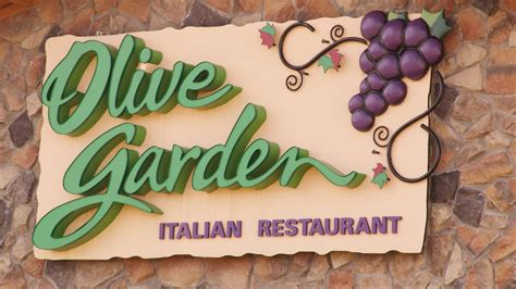 olive garden 635 olive garden ceo to walk away with millions after stepping eater