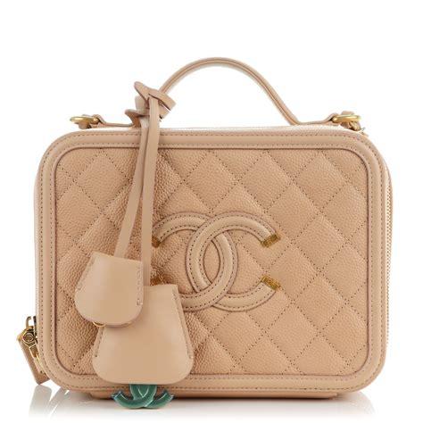 Chanel Cc Filigree Vanity Bag 1145 Tas Fashion Wanita Impor chanel caviar quilted medium cc filigree vanity beige 157940
