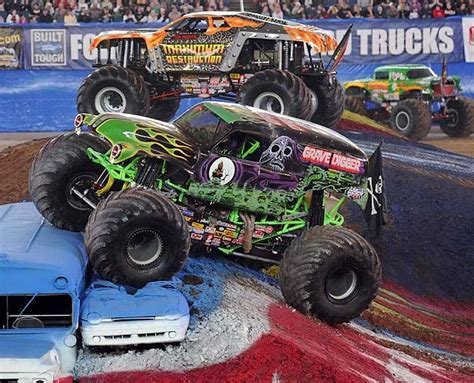 who drives grave digger monster truck monster jam grave digger google search lam pinterest